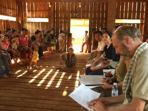 25 April 2015 – German Ambassador H.E. Joachim Baron von Marschall meets indigenous representatives of Kres community in Ratanakiri as well as representatives from EC and NTFP to discuss the communal land registration and the procedure of a land conflict resolution between the community and Hagl Economic Land Concession Company (picture by GIZ).